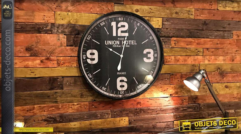 Très grande horloge en métal finition effet ancienne, de style rétro industriel, grande plaque de protection en verre, Ø90cm