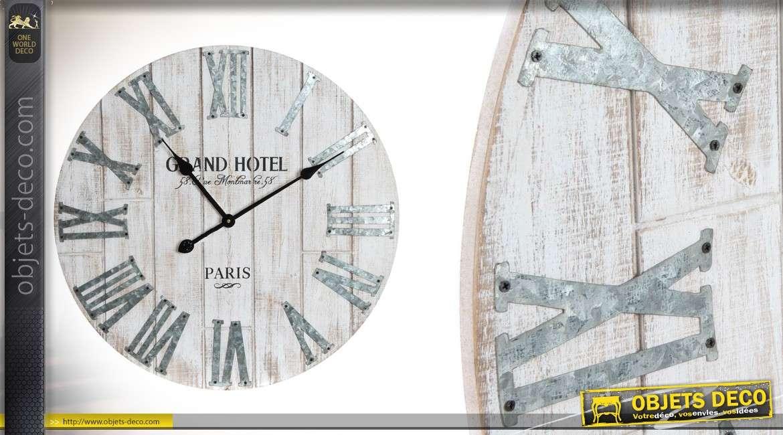 horloge en bois effet blanchi et m tal gris de style industriel 60 cm. Black Bedroom Furniture Sets. Home Design Ideas