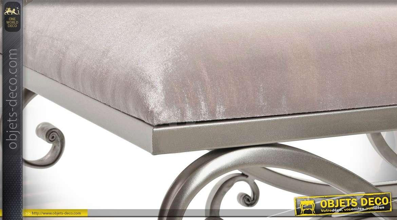 banquette bout de lit de style baroque en m tal et tissu. Black Bedroom Furniture Sets. Home Design Ideas