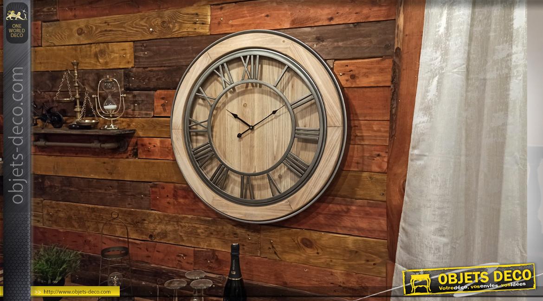Horloge murale de style rétro en bois naturel et métal agenté Ø 72 cm