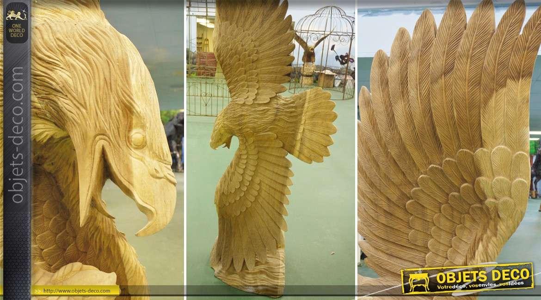 Sculpture d'aigle exécutée à la main sur bois 2,2 mètres