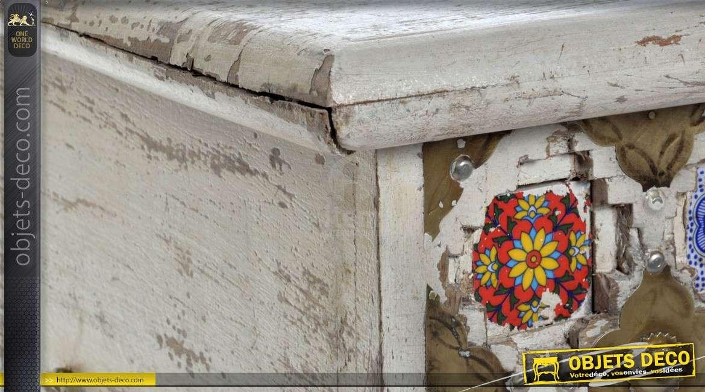 Coffre en manguier de style indien ornementation multicolore 90 x 45 cm