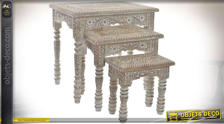 Serie De Trois Tables Gigognes En Manguier Sculpte Et