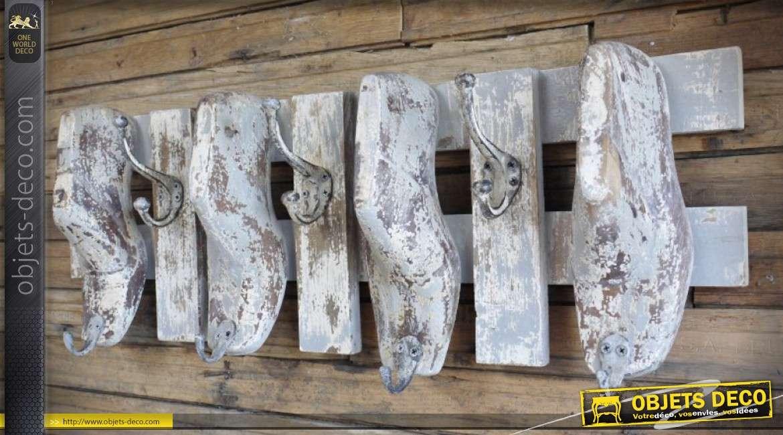 Porte-manteaux mural bois et métal style rétro et brocante avec sabots 76 cm