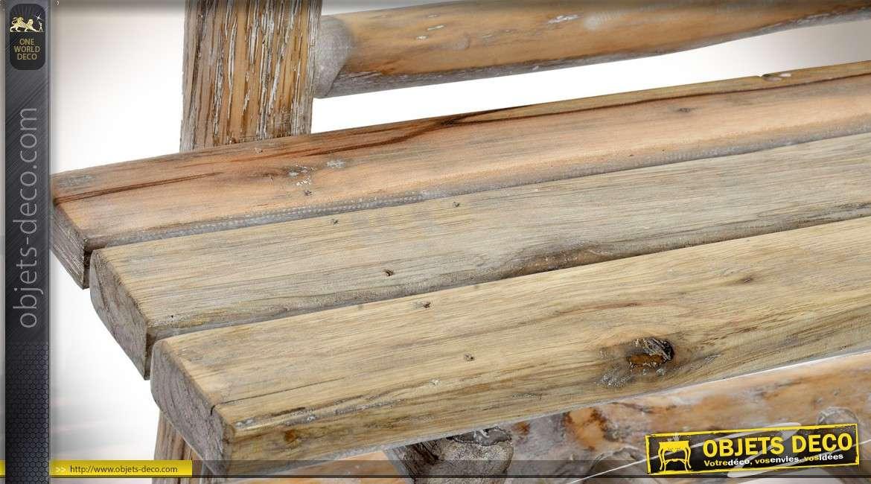 etag re murale en bois brut avec porte manteaux style. Black Bedroom Furniture Sets. Home Design Ideas