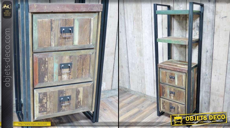 etag re biblioth que en forme de coque de bateau. Black Bedroom Furniture Sets. Home Design Ideas