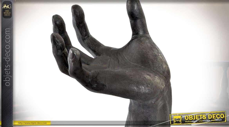 Statuette en marbre et résine main noire et sphère blanche 31 cm