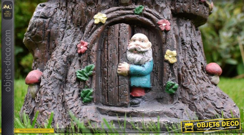 Jardinière souche d'arbre avec personnages de contes traditionnels