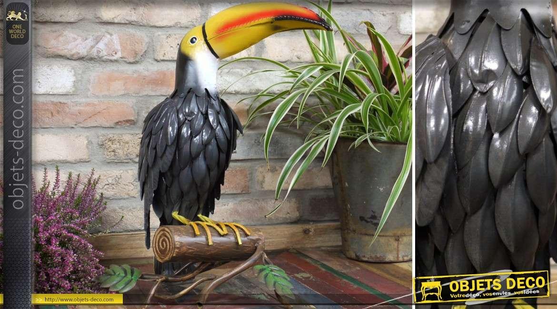 Animal décoratif stylisé en métal peint : le toucan 52 cm