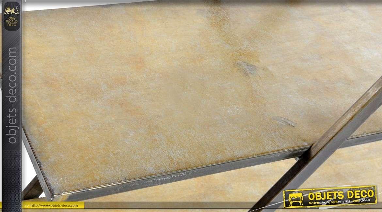 Etagère en métal sur 4 niveaux en métal finitions vieu doré 157cm