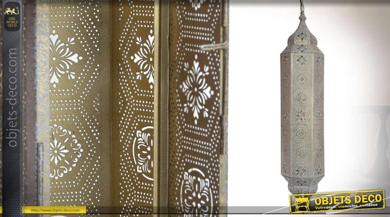 Grande lanterne hexagonale orientale en métal patine banche vieillie 87 cm