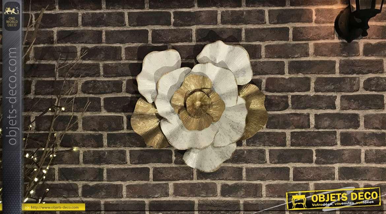 Grande fleur en métal et en relief coloris blanc et doré 54 cm