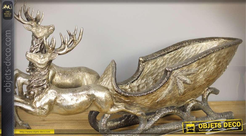 Corbeille statuette en résine représentant un traineau tiré par des cerfs 58 cm