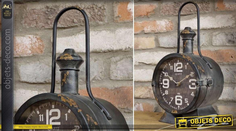 Horloge à poser en forme d'ancienne lanterne de Chef de gare 44 cm