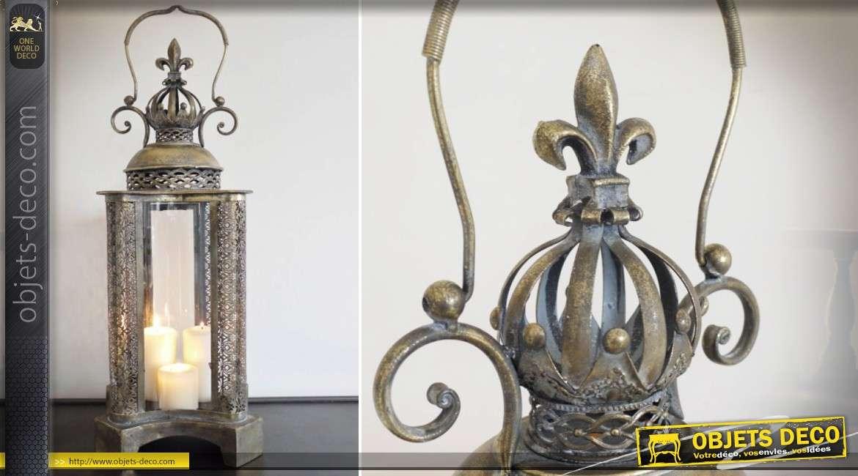 Lanterne orientale en métal doré et vieilli à façades incurvées 76 cm