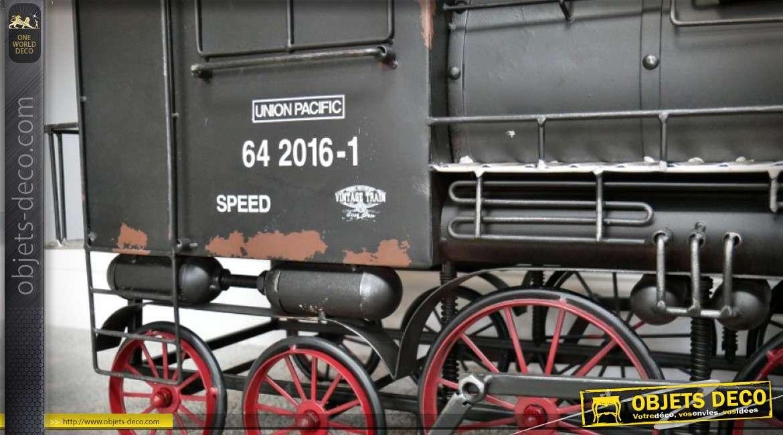 Grande reproduction d'une locomotive à vapeur en métal 1,15 mètre