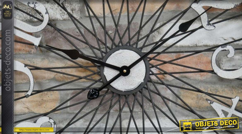 Horloge en forme d'ancienne roue de vélo oxydée style indus Ø 68 cm