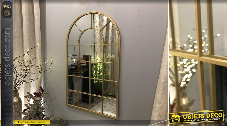 Grand miroir en métal, forme de fenêtre en arcade 110 cm, finition doré effet brossé
