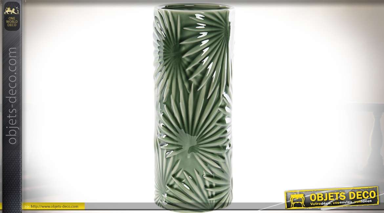 Vase cylindrique en porcelaine vert motif feuilles exotiques en relief 27 cm