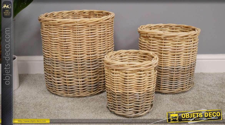 Serie de 3 corbeilles en rotin de formes rondes aux couleurs naturelles de style rustique