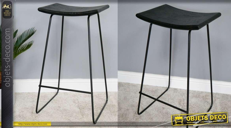 Chaise haute de bar, en métal finition noir et assise en acacia teinté noir veines apparentes