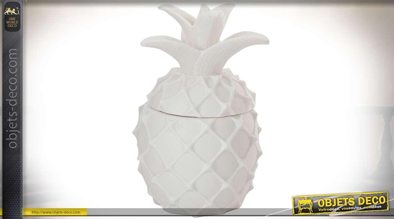 objet d co ananas en porcelaine blanche style d co. Black Bedroom Furniture Sets. Home Design Ideas