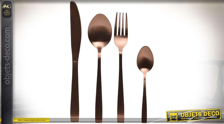 Set de 16 couverts en inox teinte cuivrée : couteaux, fourchettes, cuillères