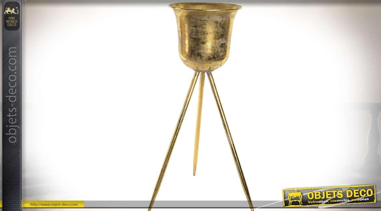 Jardinière en métal doré en forme de pot sur trépied effet vieilli 82 cm