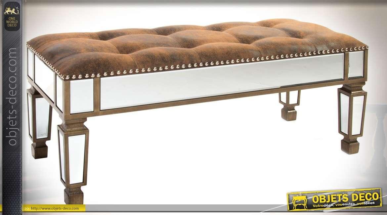 banquette bout de lit avec habillage en miroirs et. Black Bedroom Furniture Sets. Home Design Ideas