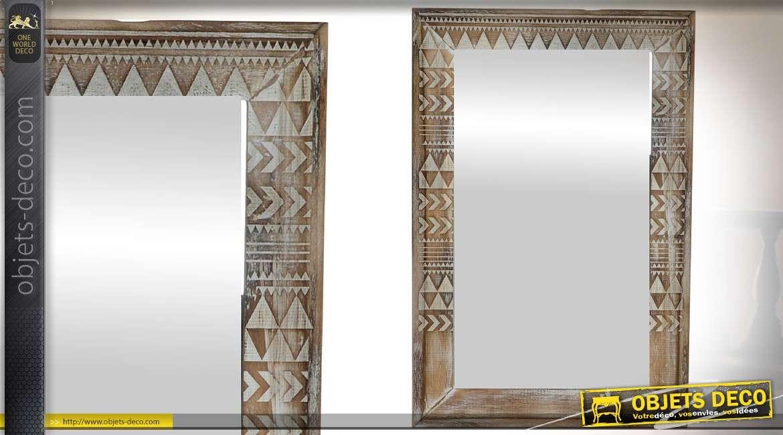 miroir original rectangulaire encadrement bois motifs et frises g om triques. Black Bedroom Furniture Sets. Home Design Ideas