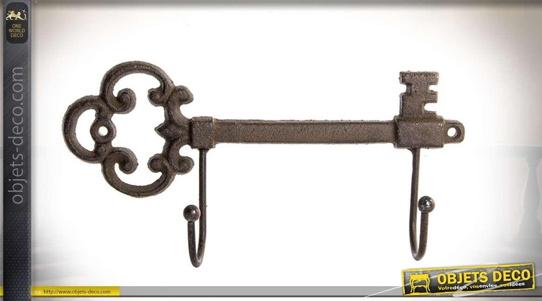 Porte-manteaux à 2 patères  en forme de grande clé ancienne en fonte 23 cm
