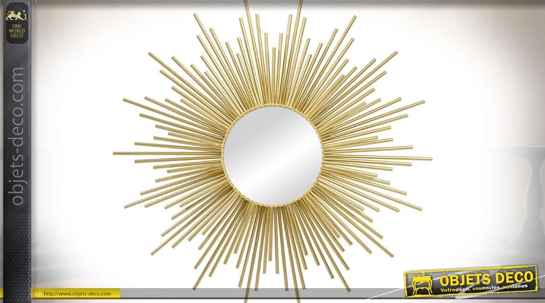 Grande décoration murale miroir en forme de soleil à effet de rayonnement doré