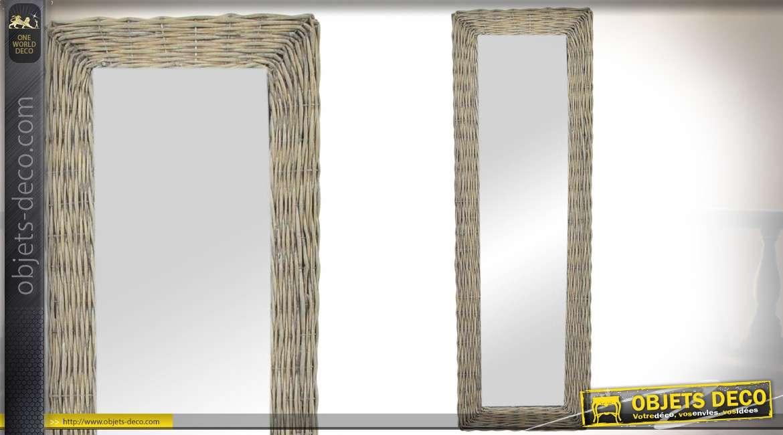 Miroir vertical avec encadrement en osier veilli 133 cm