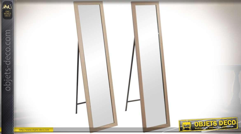 Lot de 2 grands miroirs sur pied encadrements en bois for Miroir sur pied en bois