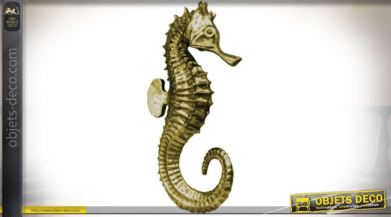 Décoration murale en résine : hippocampe doré 25 cm