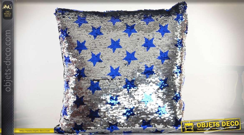 Coussin argenté à paillettes réversibles motifs étoiles bleues 40 x 40 cm