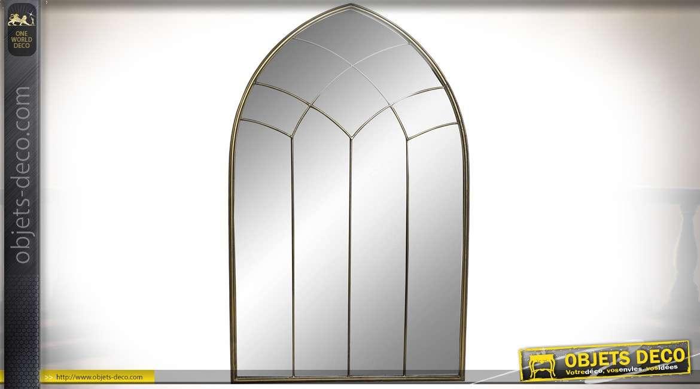 Miroir de style gothique en métal finition doré à l'ancienne 122 cm