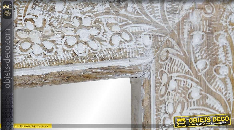 Miroir rectangulaire en bois de manguier blanchi, motifs de fleurs sculptés 60cm