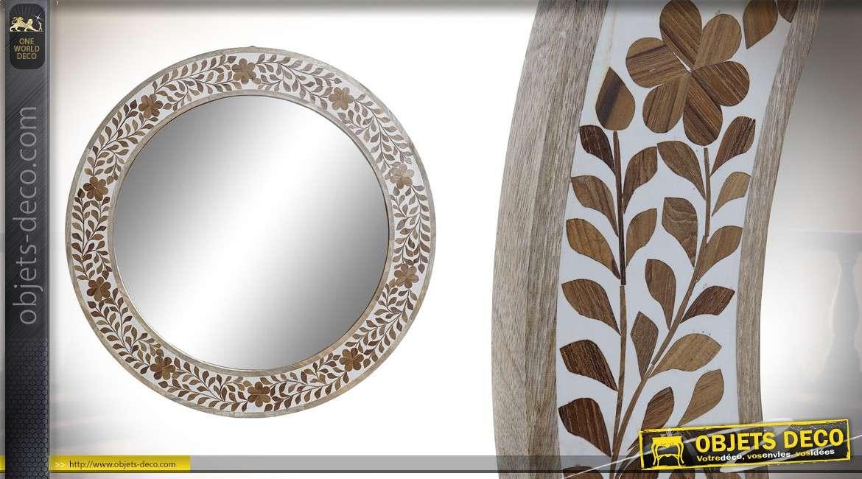 Miroir rond en bois de manguier blanchi, liseret de fleurs sculptées finition naturel 78cm
