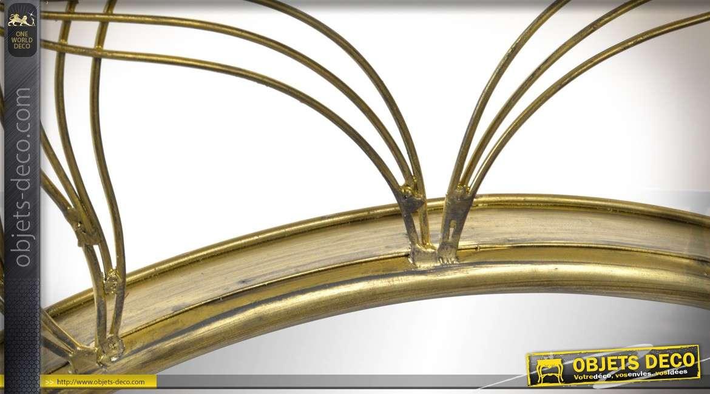 Miroir en métal de style moderne, en forme de fleur avec esprit de pétales finition dorée 74cm