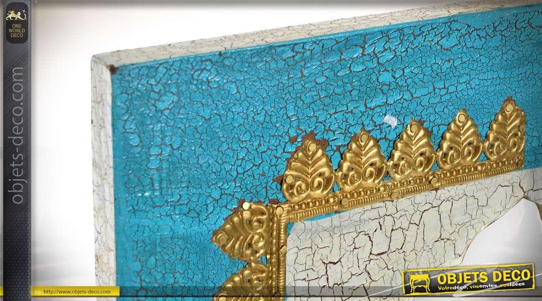 Miroir en manguier, légèrement sculpté esprit pierre turquoise, effet craquelé ancien 61cm