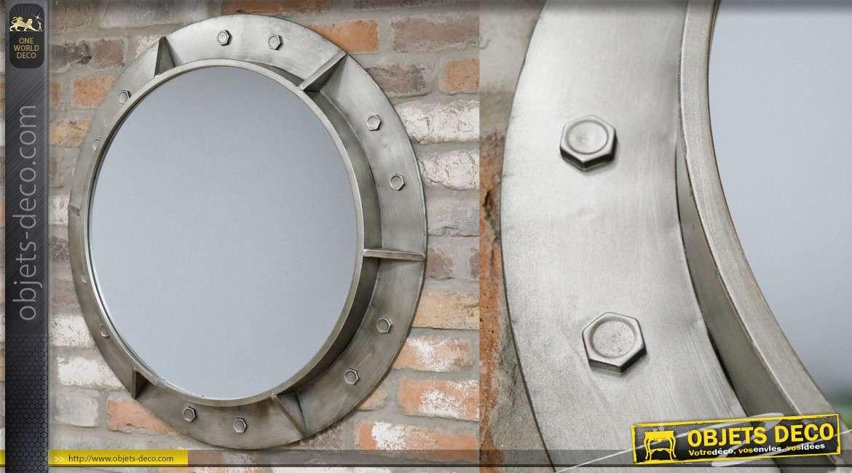 Miroir en métal avec rivets apparents inspiration hublot, finition brossé 75cm