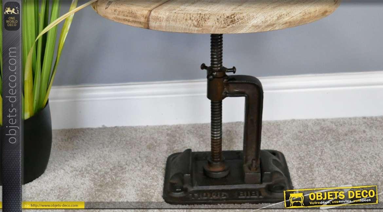Table d'appoint en bois de manguier et fonte, forme industrielle finitions anciennes