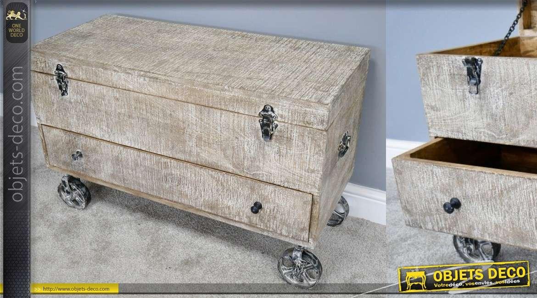 Coffre-table basse sur roulettes en bois de manguier, finitions blanchies 90cm