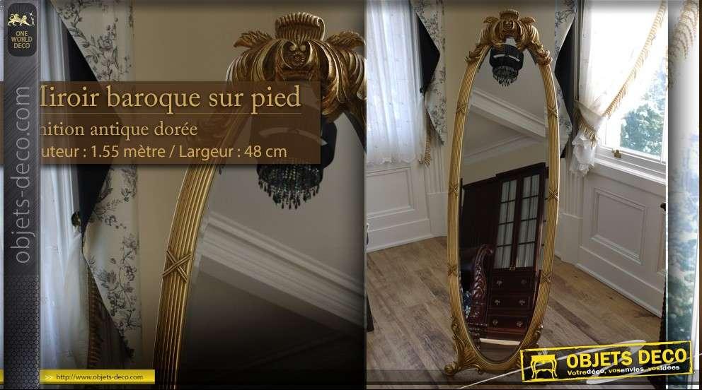 Miroir psyché sur pied baroque patine dorée