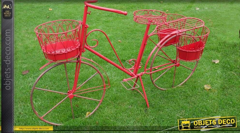 Grand v lo rouge en fer forg for Objets decoratifs pour jardin