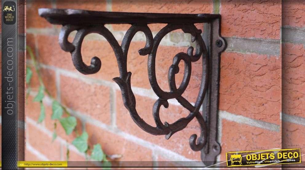 Equerre de style ancien en fer forg - Support mural fer forge ...