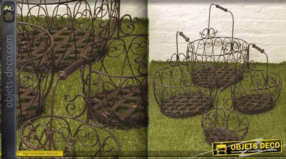 jeu de 4 paniers en fer forg assortis. Black Bedroom Furniture Sets. Home Design Ideas