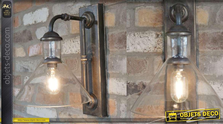 Applique murale en métal, vrai style industriel, finition ancienne avec abat jour en verre, sur batterie