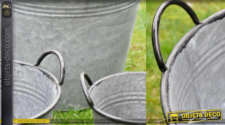 Série de 5 sceaux type caches pots en métal style zinc ancien avec hanses de transport